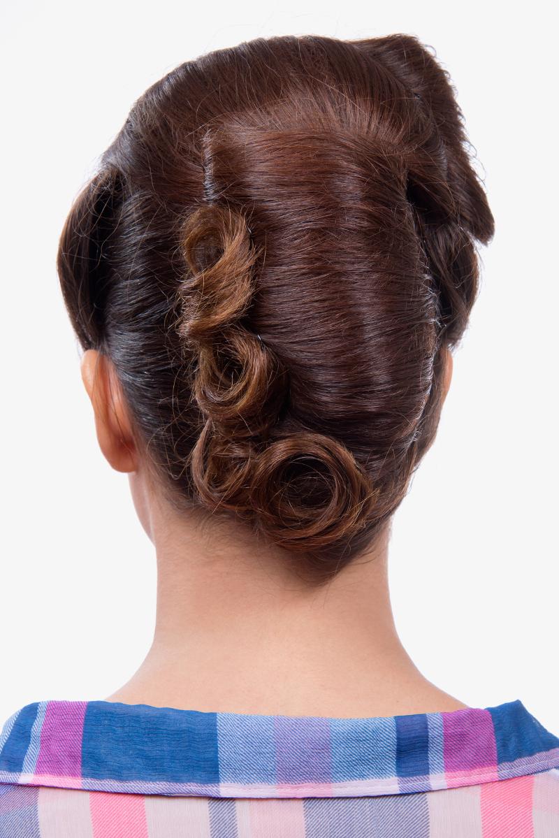Peinado Pin Up al más puro estilo Kate Perry paso a paso