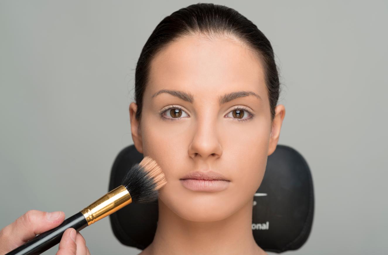 fondo de maquillaje profesional cazcarra