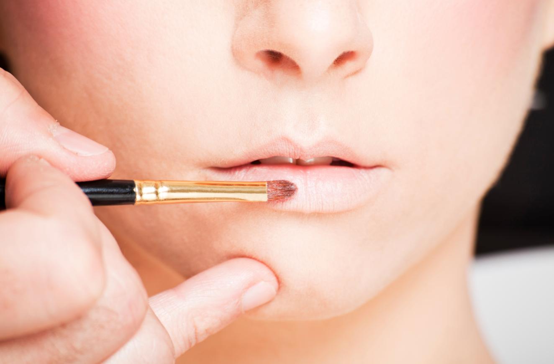 corregir labios finos maquillaje paso a paso