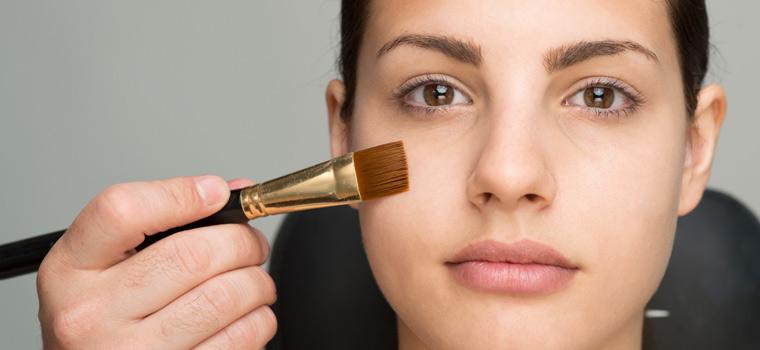 Escuela de estética. Cómo maquillar las pieles grasas y mixtas