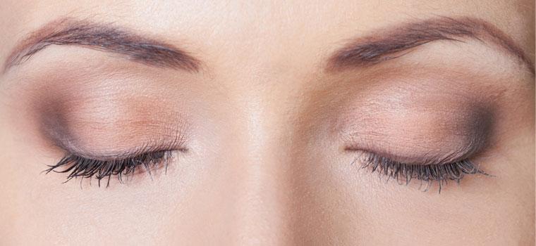 Tips para maquillar párpados caídos