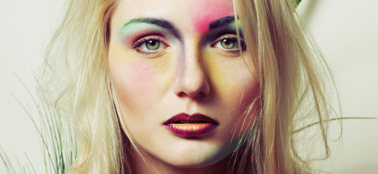 Descárgate nuestra guía de errores de maquillaje y descubre qué no debes hacer