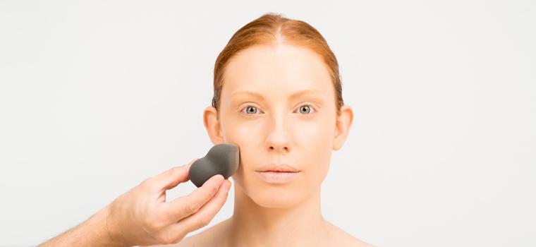 Trucos para aplicar una base de maquillaje perfecta