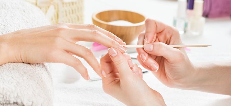 Cuidados en el desmaquillado de uñas