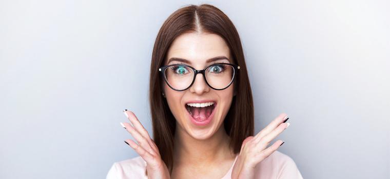 El maquillaje de ojos perfecto si llevas gafas