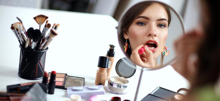Errores de maquillaje comunes y soluciones muy útiles