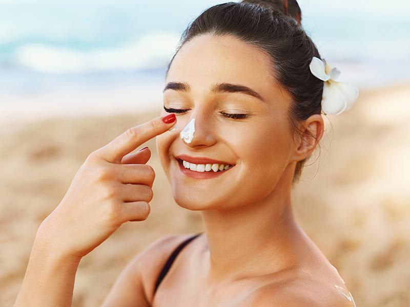 maquillaje con proteccion solar