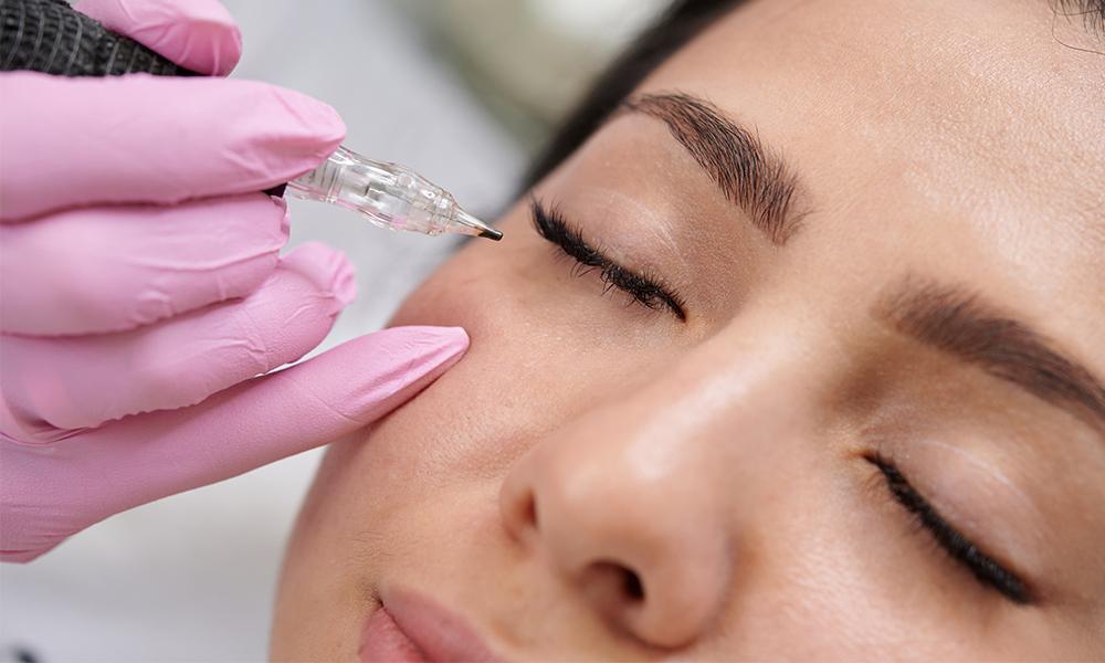 micro-eyeliner