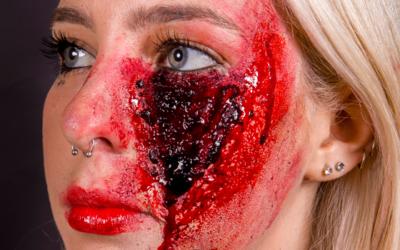 ¿Cómo hacer heridas con maquillaje?